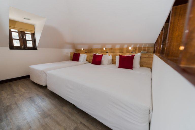 Rayong Resort : Premier Triple Seaview  Room