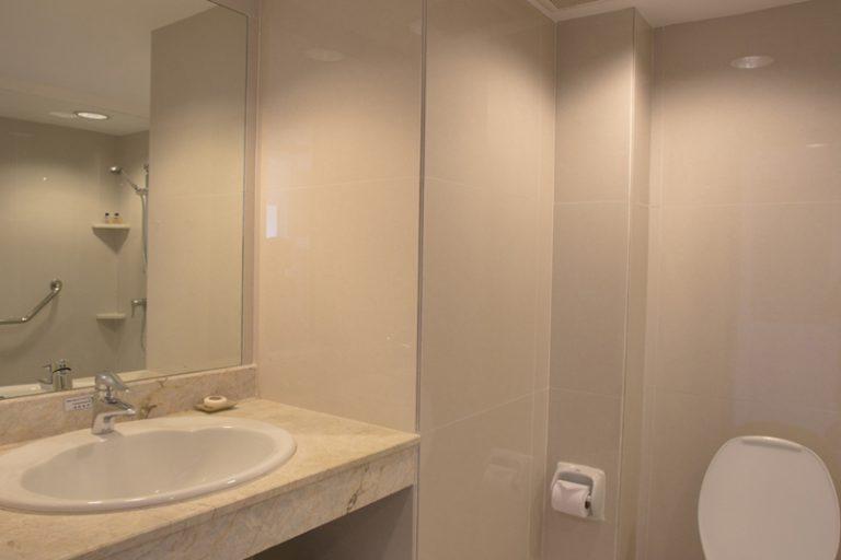 ระยองรีสอร์ท : ห้องดีลักซ์ ซีฟร้อนท์