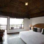 ระยองรีสอร์ท : ห้องดีลักซ์ ริมทะเล