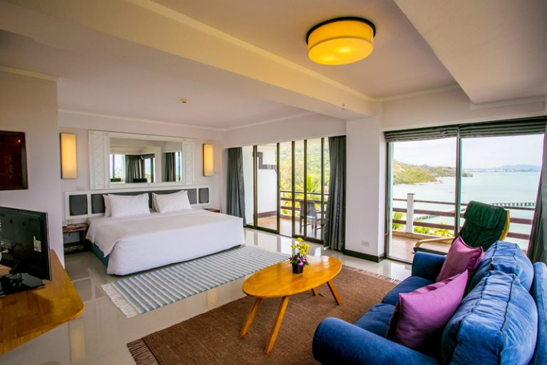 Rayong Resort : Premier Suite Seaview Room – Modern Interior