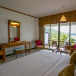 Rayong Resort : Deluxe Seaview Room Main Wing – Classic Interior